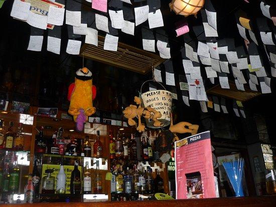 Carabel Pub: Quirky