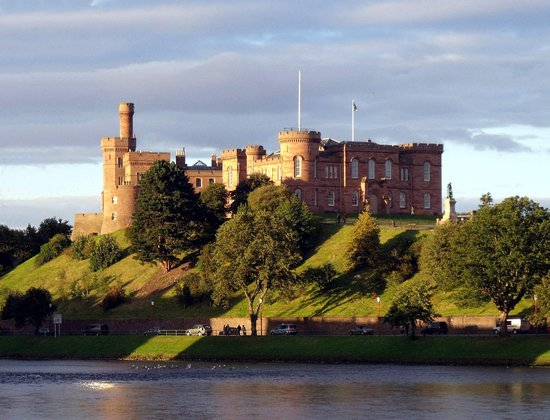 St Ann's House: Inverness Castle an easy walk from St Ann's