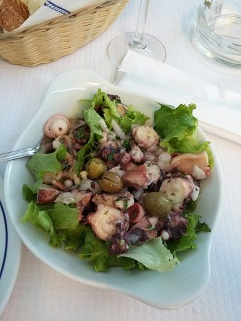 Restaurante O Lourenco: Our salad