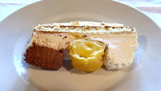 Cremeno, Italia: Torta Saint'Honoré