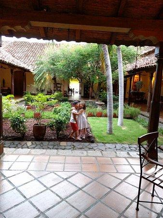 Hotel Patio del Malinche: IMG_20160719_184833_large.jpg