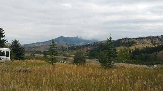 Bear Canyon Campground: Morning in Bozeman