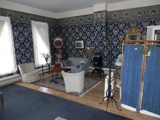 Historic Western Hotel: The Blue Room Suite