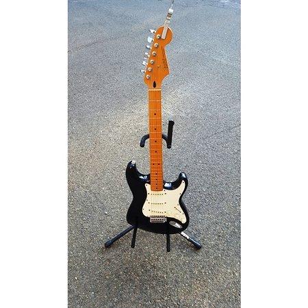 โอลด์เซย์บรูค, คอนเน็กติกัต: Vintage Gibson Stratocaster