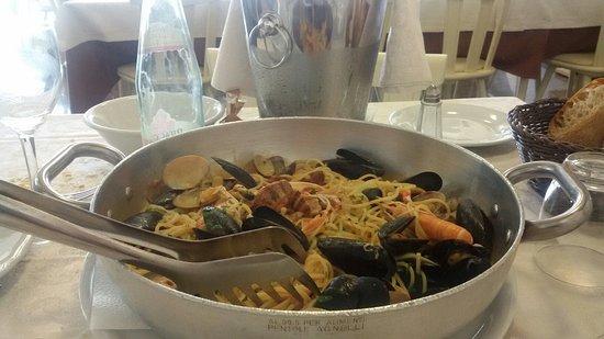 Monno, Itália: Spaghetti classici alla pescatora