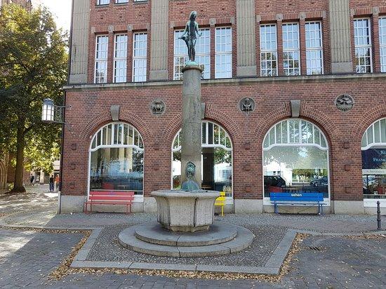 Steinbockbrunnen