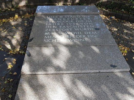 Gedenkstein fur die Synagoge