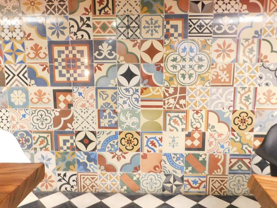 1953 Restaurant Indonesien Moroccan Style Tiles For Interior