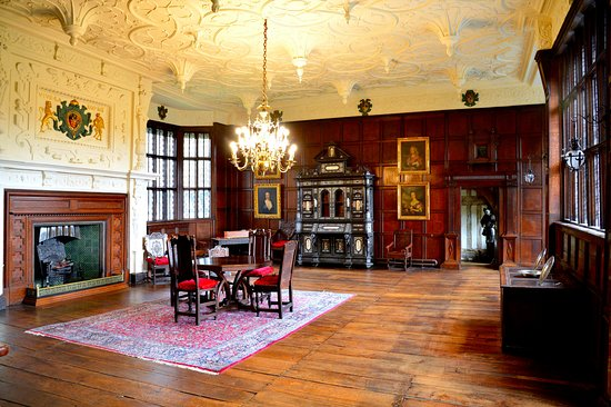 Bramhall, UK: The Withdrawing Room.