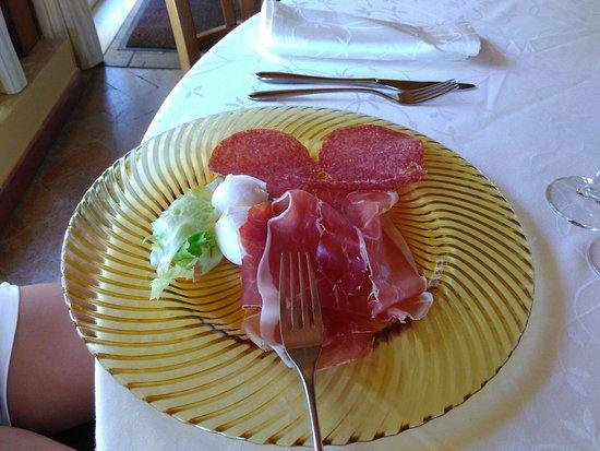 ...Ottima cucina panorama incantevole... Prezzi alti..