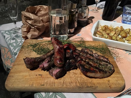 Podere Casarotta : grilled pig
