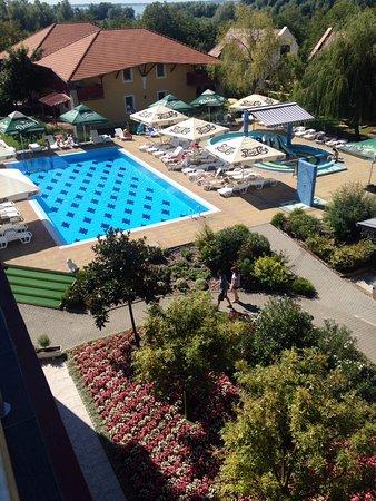 Wellness Hotel Katalin : Kilatas a teraszrol.
