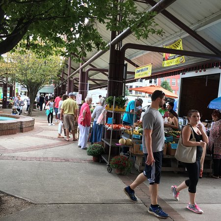 Lynchburg Community Market: photo2.jpg