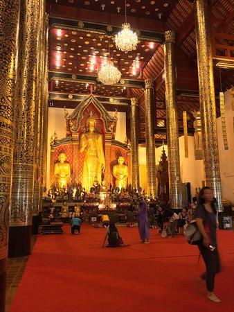 Wat Chiang Man: Bello