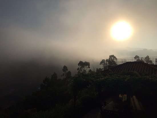 Espadanedo, Portugal: Early morning fog