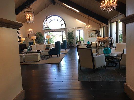 Kona Kai Resort & Spa, A Noble House Resort: Lobby e vista dalla camera