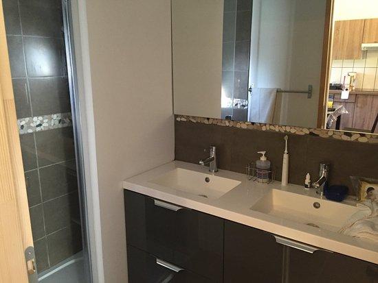L'Airial: Bathroom