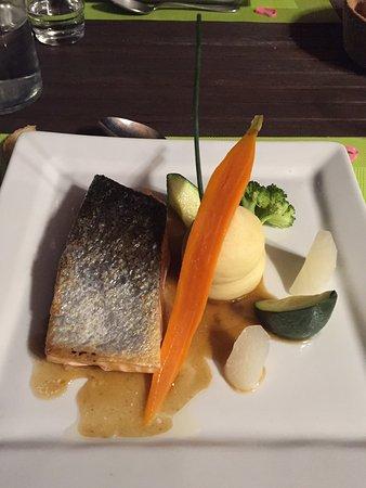 Marvejols, Francia: Très belle découverte : un plaisir gustatif  de manger dans ce restaurant de l'entrée au dessert
