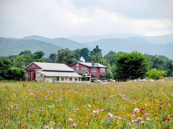 Sperryville, VA: Nestled in the foothills of the beautiful Blue Ridge Mountains!