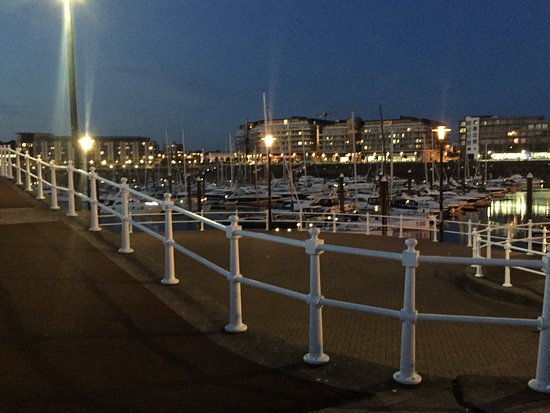 20161018071400_large.jpg - Picture of Radisson Blu Waterfront Hotel, Jersey, St. Helier ...