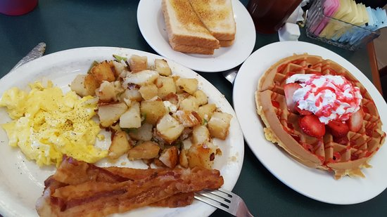 Westland, MI: Amazing Priced Specials! Home Fries are a Much Have! This meal is $6 and some change...