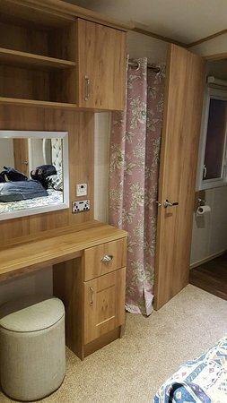 Bunn Leisure Holiday Park: Platinum caravan (dishwasher & en-suite included)