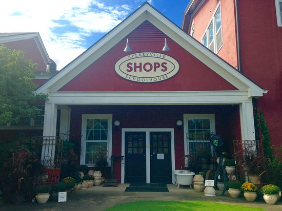 Sperryville, Wirginia: Stop in and shop for vintage treasures!