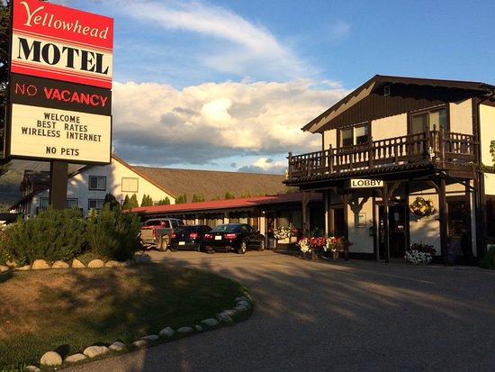 Yellowhead Motel Photo