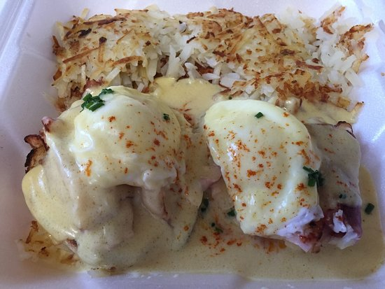Hayden, ID: Eggs Benedict and HBrowns