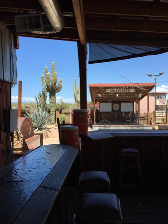 New River, AZ: Sitting at the outside bar