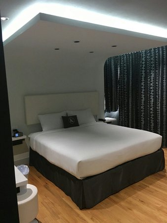 The Kent Hotel: IMG_25411_large.jpg