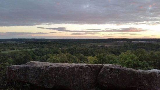 Rattlesnake Point Conservation Area: Vibrant colors