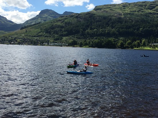 Lochgoilhead, UK: guests from drimsynie estates kayaking