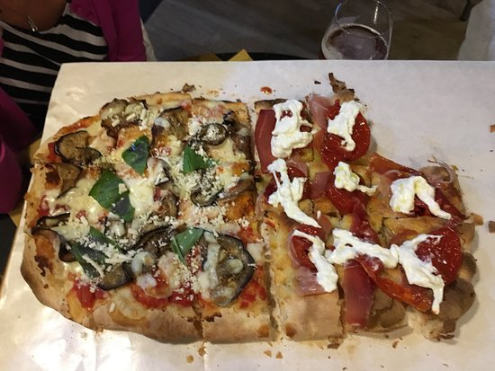 Wow! You must try this pizza'