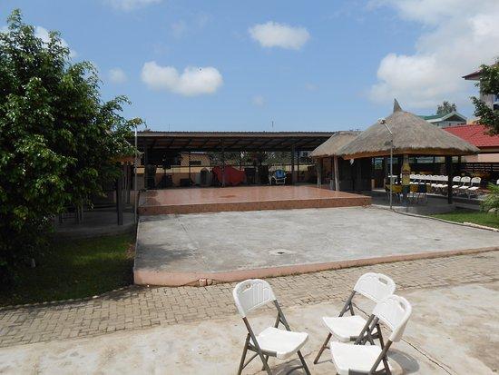 Winneba, Ghana: Run-Off Restaurant stage for live entertainment