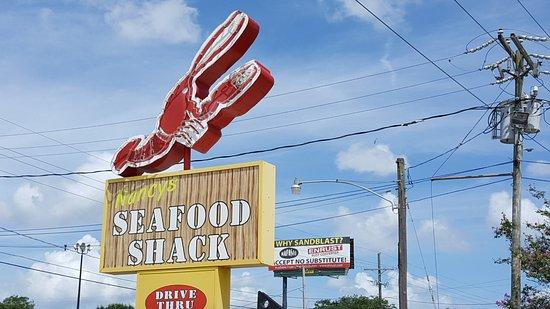 Nancy's Seafood Shack: Sign