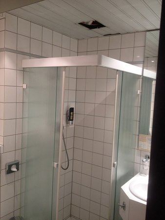 Parkhotel Am Posthof: Dusche