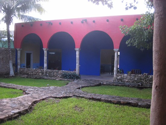 Hotel Tunich Beh: patio