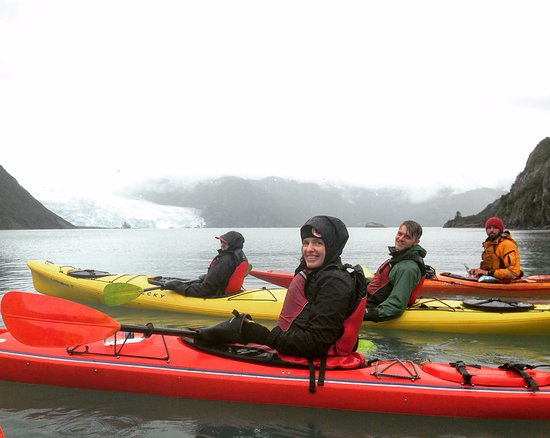 Miller's Landing: Kayaking in Aialik Bay!