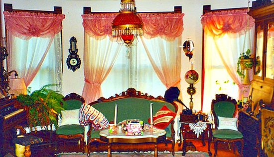 Fort Atkinson, WI: Victorian Parlor, organ left, Victrola, right