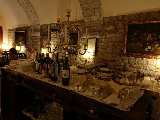 Taverna del Lupo: Gli interni.