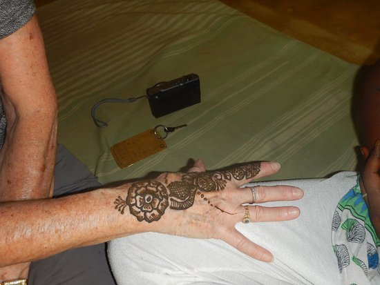 Traditional Henna Painting Picture Of Dera Khairwa The Fort
