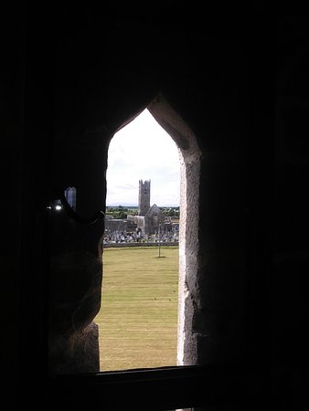 Claregalway, Ирландия: View inside Castle