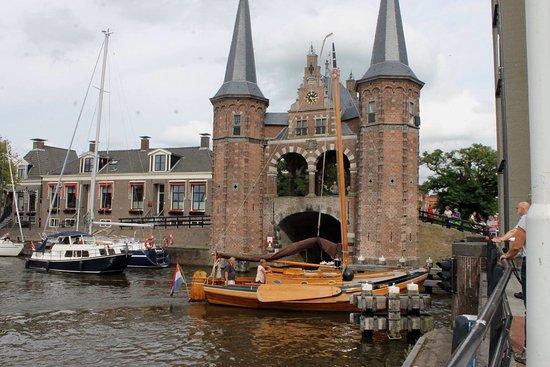 Rijksmonument Waterpoort Sneek uit 1613: photo0.jpg