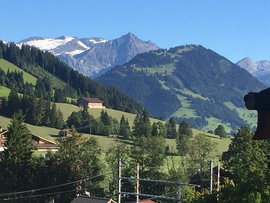 Schonried, Zwitserland: wunderbares Wanderland