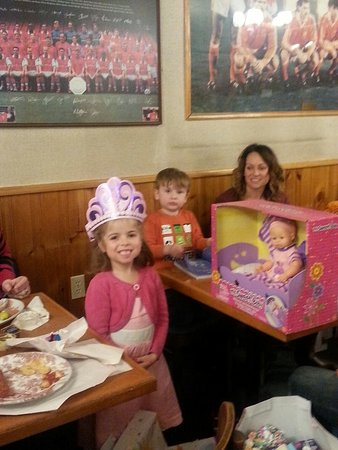 Prescott, Canada: Birthday parties at Nicks Restaurant