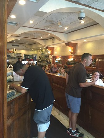 Cafe Luka: Fairly good deli
