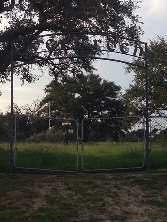 Beeville, Техас: Evergreen Cemetery
