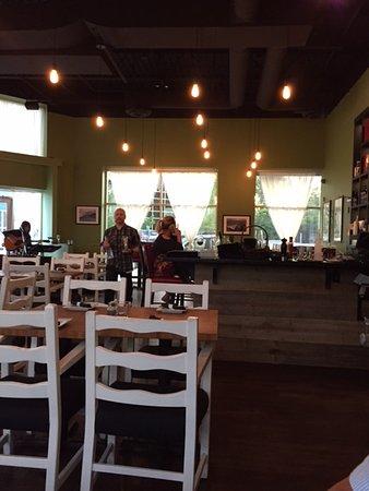 เซอร์เรย์, แคนาดา: Interior of restaurant