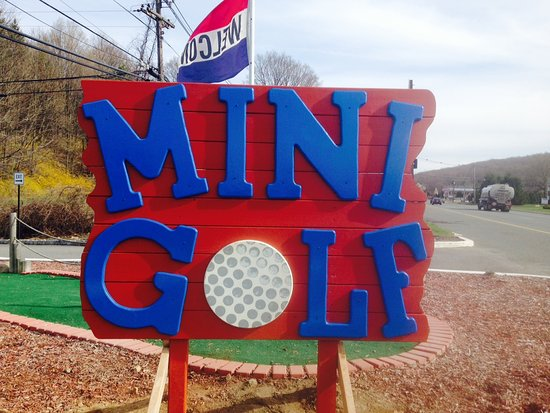 Lake Hopatcong, NJ: Castle Cove Mini Golf